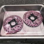 ディスクブレーキのメインテナンス 鉄粉除去3